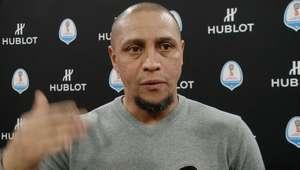"""Roberto Carlos: """"Neymar vai pelo caminho certo para ser ..."""