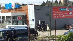Homem faz reféns em supermercado no sul da França