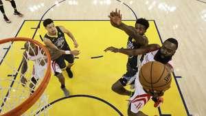 Rockets empatam série final com virada na casa dos Warriors