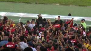 Campeonato Brasileiro: Flamengo 2 x 0 Paraná