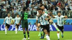 Em jogo sofrido, Argentina vence a Nigéria e segue viva