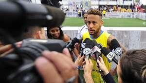 """Após evento, Neymar desabafa: """"Sou criticado por tudo"""""""