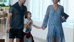 Adriane Galisteu usa look despojado para passear com ...