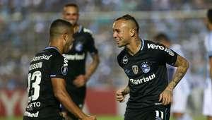 Grêmio derrota o Atlético Tucumán e encaminha vaga