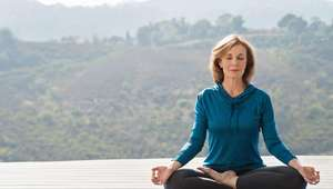 Yoga hormonal pode aliviar a menopausa e outros ...