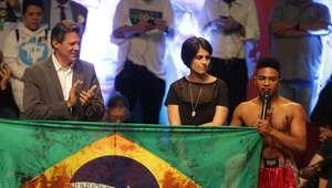 Ato pró-Haddad lembra negros vítimas de violência no Brasil