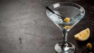 Como preparar um Dry Martini digno do 007