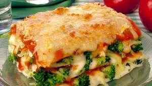Lasanha de brócolis e queijo