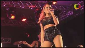'Estou me sentindo tudo hoje', diz Anitta