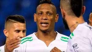 Figueirense marca nos acréscimos e elimina Botafogo no RJ
