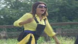 A Fazenda: Mara provoca e chama Carla de 'riquinha da barra'