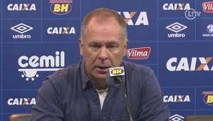 Após empate no clássico, Mano elogia volume de jogo e atitude da equipe