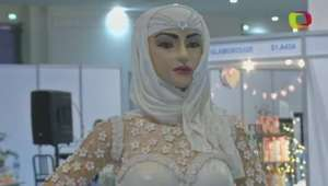 Bolo de 'noiva' de US$ 1 mi é exibido em exposição em Dubai