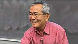 Vencedor do Nobel é achado vagando após morte de esposa