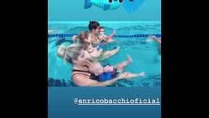 Karina Bacchi mostra aula de natação do filho, Enrico: 'Folia'. Vídeo!