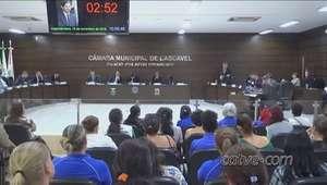 Após extinção de cargos, servidores lotam a Prefeitura de Cascavel