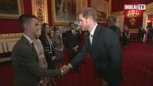 Los príncipes William y Harry premian a 20 jóvenes con los Diana Awards
