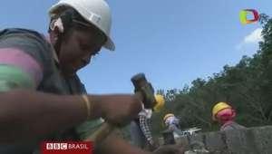 Projeto na Índia emprega só mulheres na construção de casas