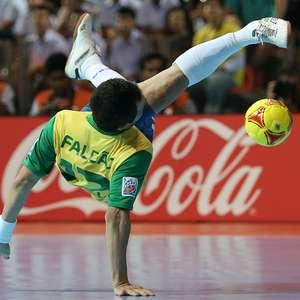 Com futuro incerto, Falcão mira aposentadoria da Seleção ...