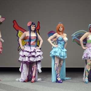 Fãs de cosplay se reúnem em convenção na Suíça