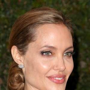 Produções de Angelina Jolie valorizam os olhos; confira