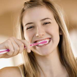 Cepille sus dientes para mejorar su confianza
