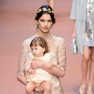 Mamma dos anos 60 inspira Dolce & Gabbana