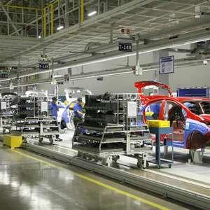 Produção industrial cai 1,5% em julho, diz IBGE
