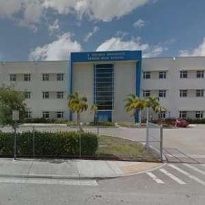 Secundaria de Miami es evacuada debido a paquete sospechoso