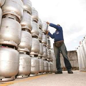 Petrobras reajusta preço do botijão de gás de 13 kg em 15%