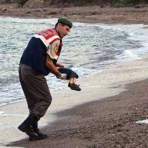 La foto del niño sirio que simboliza el drama migratorio