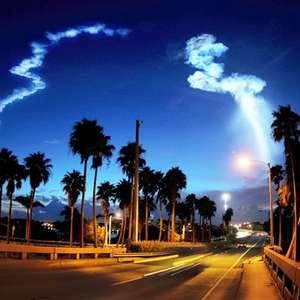 Lanzamiento de cohete Atlas V causa extraña luz en el cielo