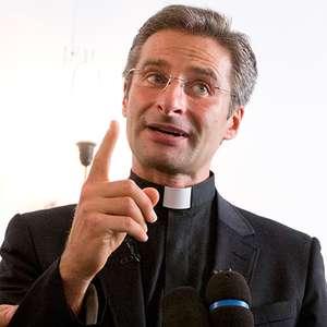 Sacerdote homosexual es expulsado de El Vaticano