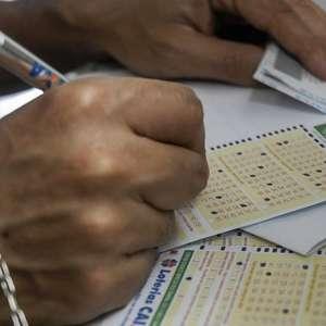 Mega-Sena acumula pela 5ª vez seguida e pagará R$ 27 milhões