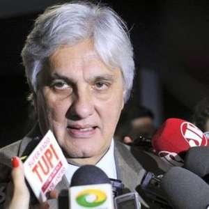 Juiz contraria Lava Jato em ação contra Delcídio do Amaral