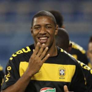 Ex-São Paulo e Seleção, Jucilei assina com o Boavista