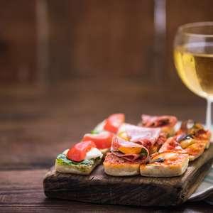 5 vinhos espanhóis esperam por você no Mês Black da Evino!
