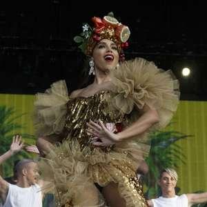 "Anitta ""vira"" Carmen Miranda em show no Rock in Rio Lisboa"