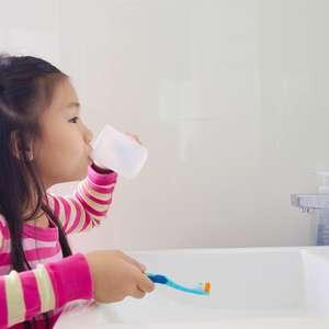 ENQUETE: Criança pode comer açúcar?