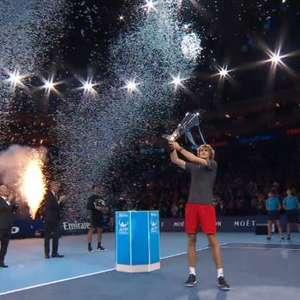 TÊNIS: ATP Finals: Zverev campeão após vencer Djokovic ...