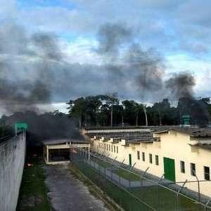 Detentos fizeram rebeliões em penitenciárias de todo o país