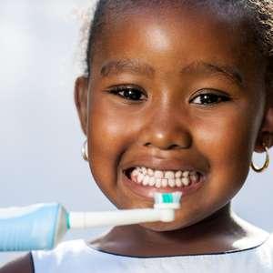 ENQUETE: Bebê precisa escovar os dentes?