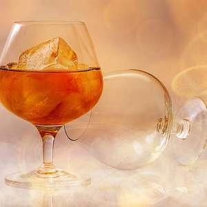 Aproveite no Natal: vinho tinto previne cáries