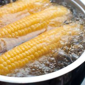 Como cozinhar milho: veja 3 maneiras diferentes de fazer ...