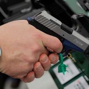 Direito a armas ainda vive impasse nos Estados Unidos