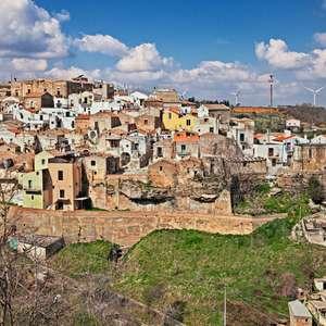 Airbnb pagará para 4 pessoas viverem em vilarejo italiano