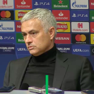 """""""Posso me imaginar como técnico da Ligue 1"""", diz Mourinho"""