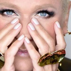 """Xuxa usa look inspirado em McQueen no """"The Four Brasil"""": ..."""