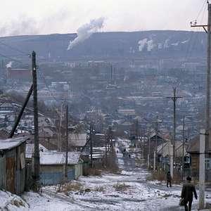 O que é a neve negra que cobre paisagens da Sibéria