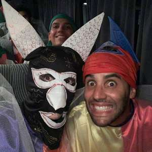 Ivete Sangalo interrompe trio elétrico para ajudar ambulante